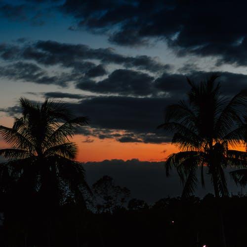 Kostnadsfri bild av moln på himlen, molnbildning, rörliga moln, solnedgång
