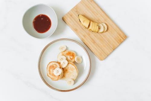 Pancakes and Banana Slices
