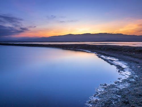 Immagine gratuita di acqua calma, alba - dawn, alba precoce, esterno