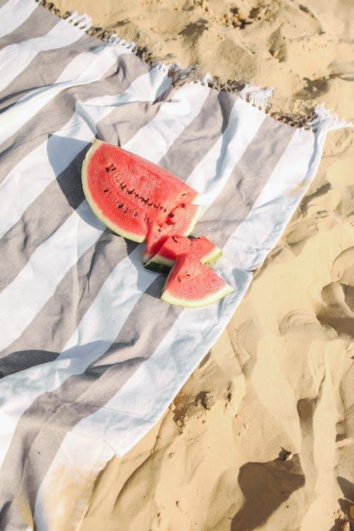 Ảnh lưu trữ miễn phí về bờ biển, cát, cờ