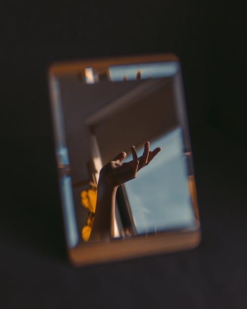 Základová fotografie zdarma na téma bezdrátový, cestování, dotyk