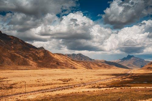 Darmowe zdjęcie z galerii z chmura, dolina, góra, góra pustyni