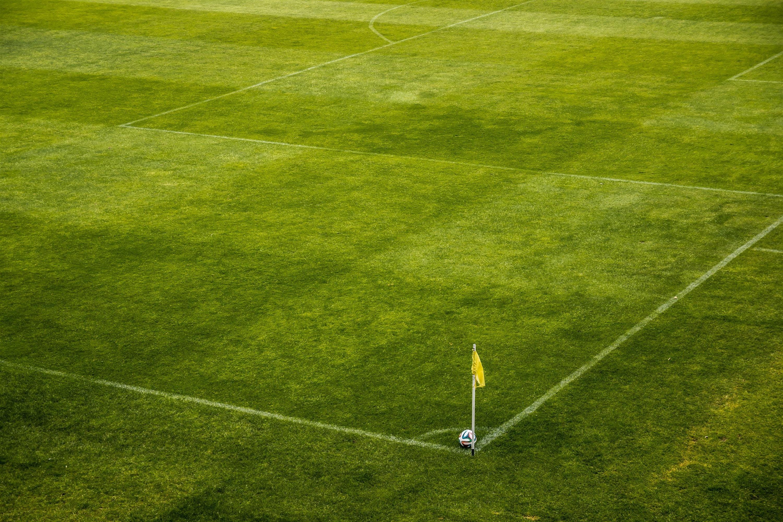Kostenloses Stock Foto zu ecke, feld, flagge, football