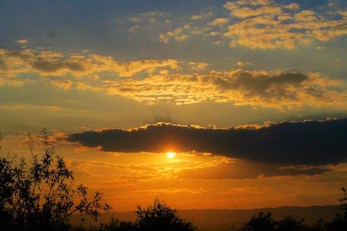 Kostenloses Stock Foto zu akşam, gökyüzü, gün batımı, gün batımı rengi