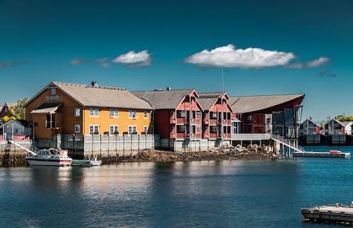 가족, 강가, 건물, 건축의 무료 스톡 사진