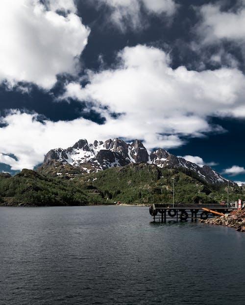 hvite skyer, 강, 경치, 구름의 무료 스톡 사진