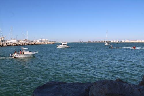 Fotos de stock gratuitas de bahia, embarcaciones, mar, motoras
