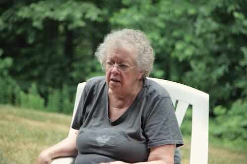 Imagine de stoc gratuită din bătrân, bunică, cenușiu