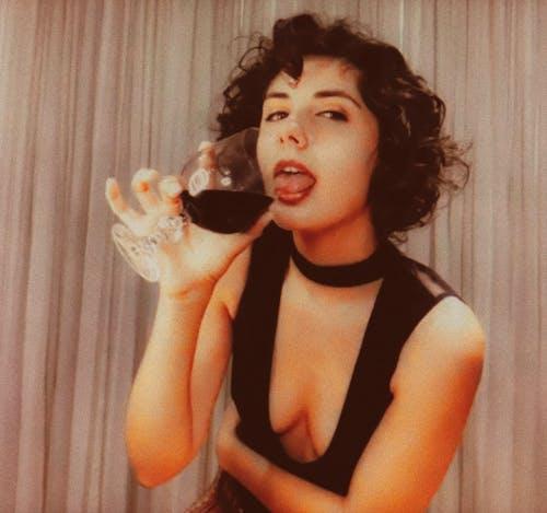 Fotos de stock gratuitas de bonito, copa de vino, precioso, retrato fotografía retrato