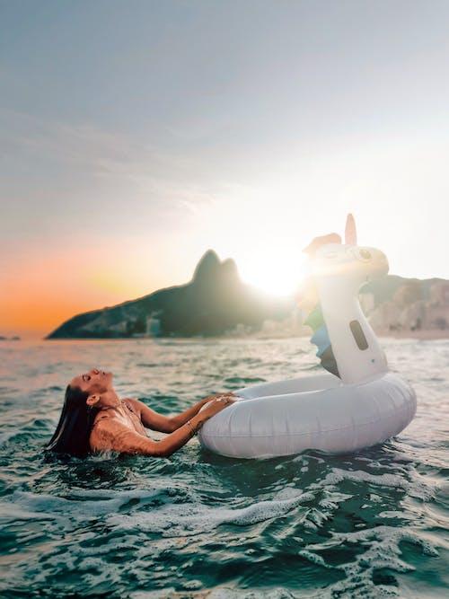 batırılmış, boş zaman, deniz içeren Ücretsiz stok fotoğraf