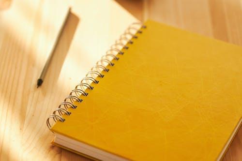 Kostnadsfri bild av anteckning, anteckningsblock, anteckningsbok, arbete
