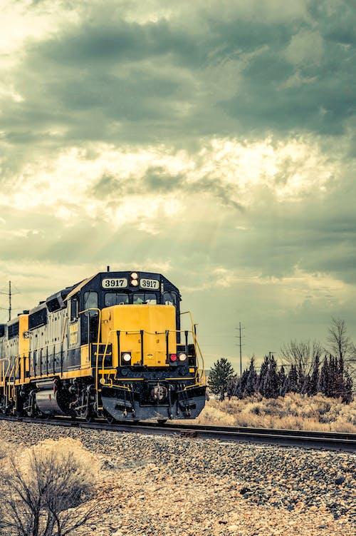 Základová fotografie zdarma na téma cestování, dopravní systém, léto, lokomotiva