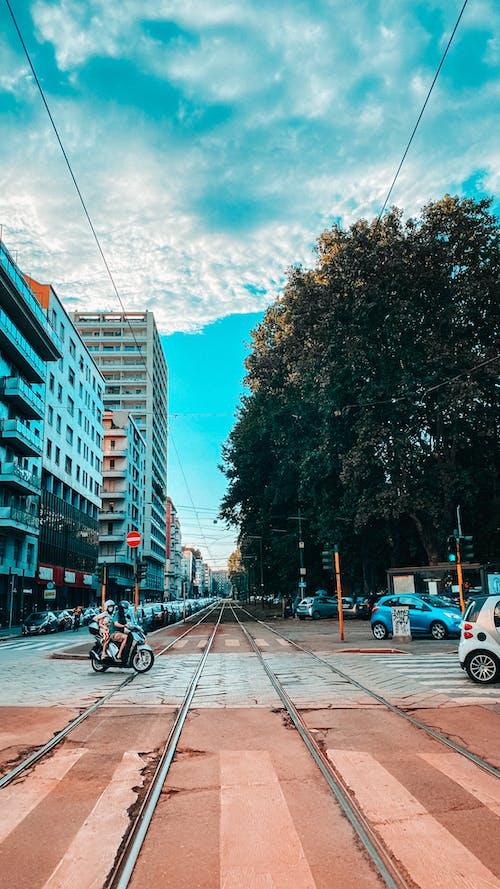 Základová fotografie zdarma na téma fotka ulice, Miláno, obloha, tramvaj