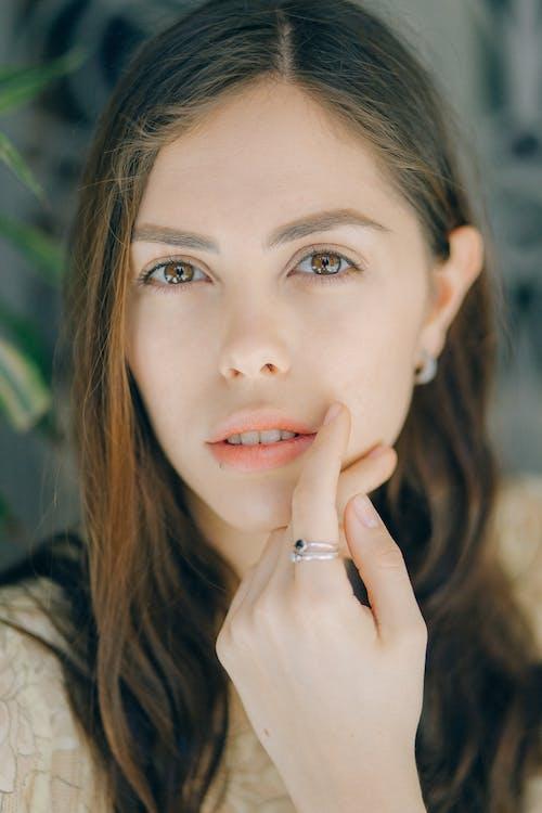 Foto profissional grátis de anel, argola, atraente