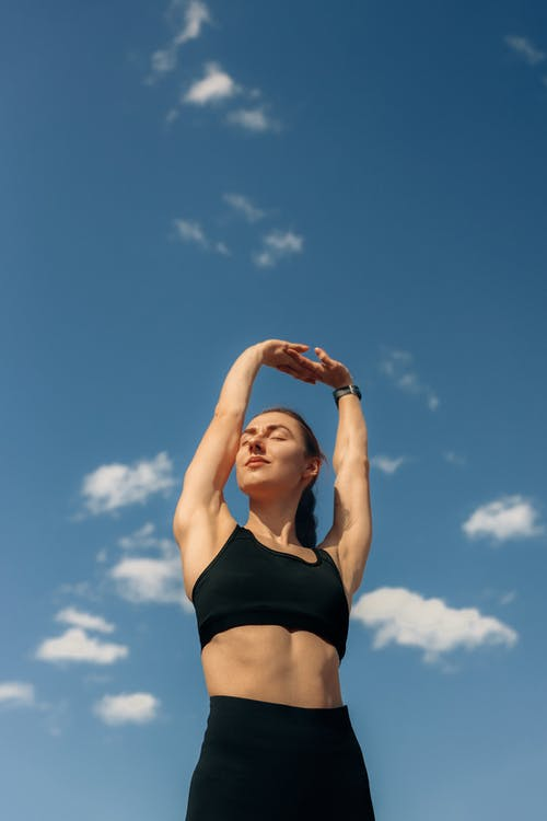 Darmowe zdjęcie z galerii z ab workout, aktywny, błękitne niebo