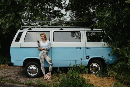 Základová fotografie zdarma na téma auto, automobilový, dopravní systém, dospělý