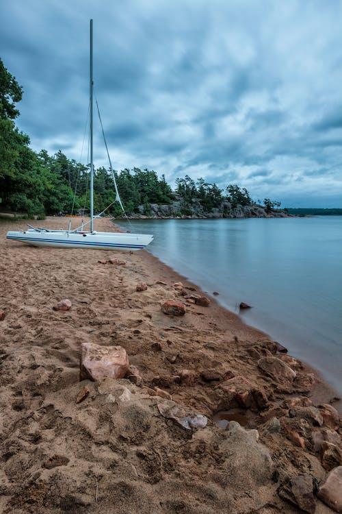 Základová fotografie zdarma na téma bouře, dovolená, jezero, katamarán