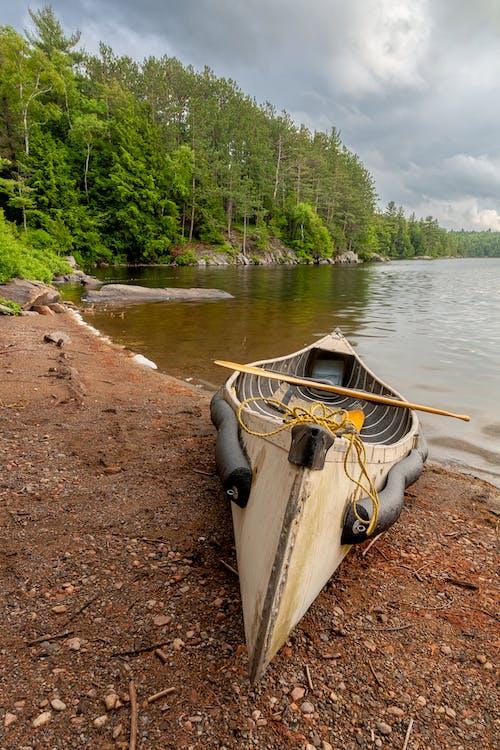 Základová fotografie zdarma na téma člun, dovolená, jezero, kameny
