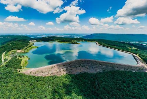 açık hava, ada, ağaç, dağ içeren Ücretsiz stok fotoğraf