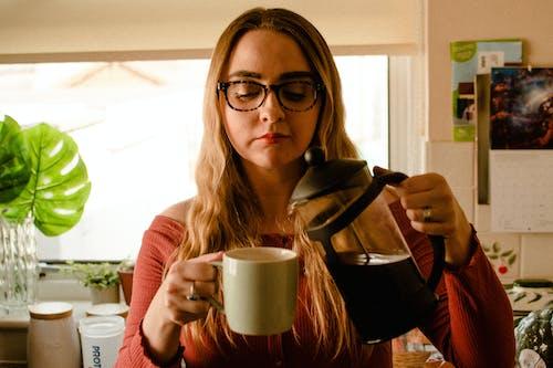 Základová fotografie zdarma na téma čaj, dospělý, holka, horko