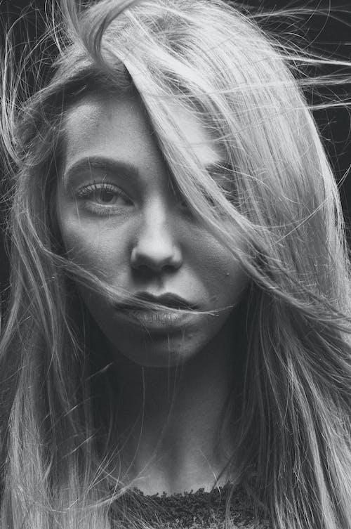 девушка, лицо, монохромный, портретの無料の写真素材