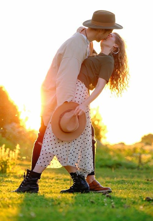 Photos gratuites de à contre-jour, affection, amie, amour