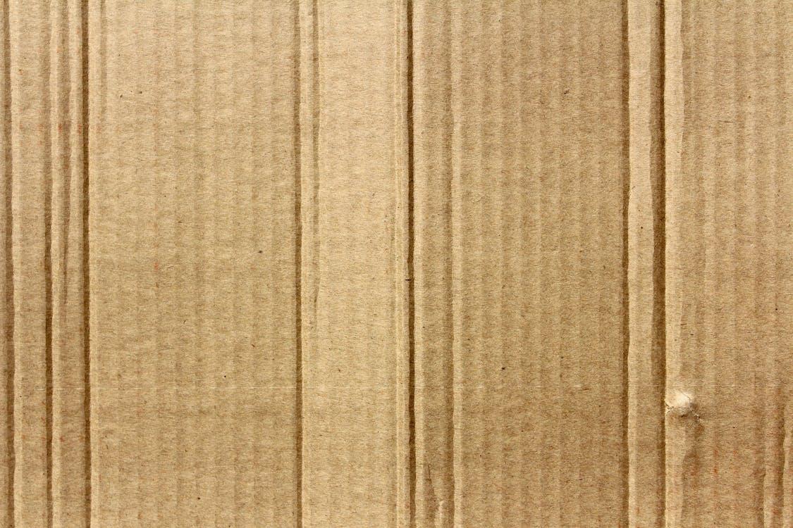 กระดาษลูกฟูก, กระดาษแข็ง, พื้นผิว