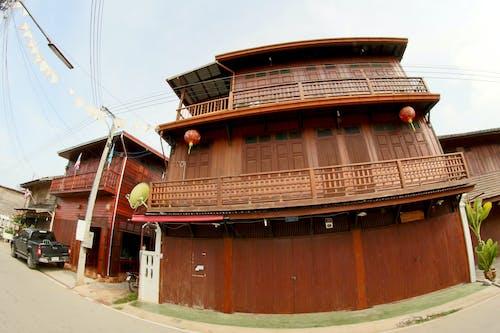 Foto stok gratis Arsitektur, kayu, kota kecil, kota Tua