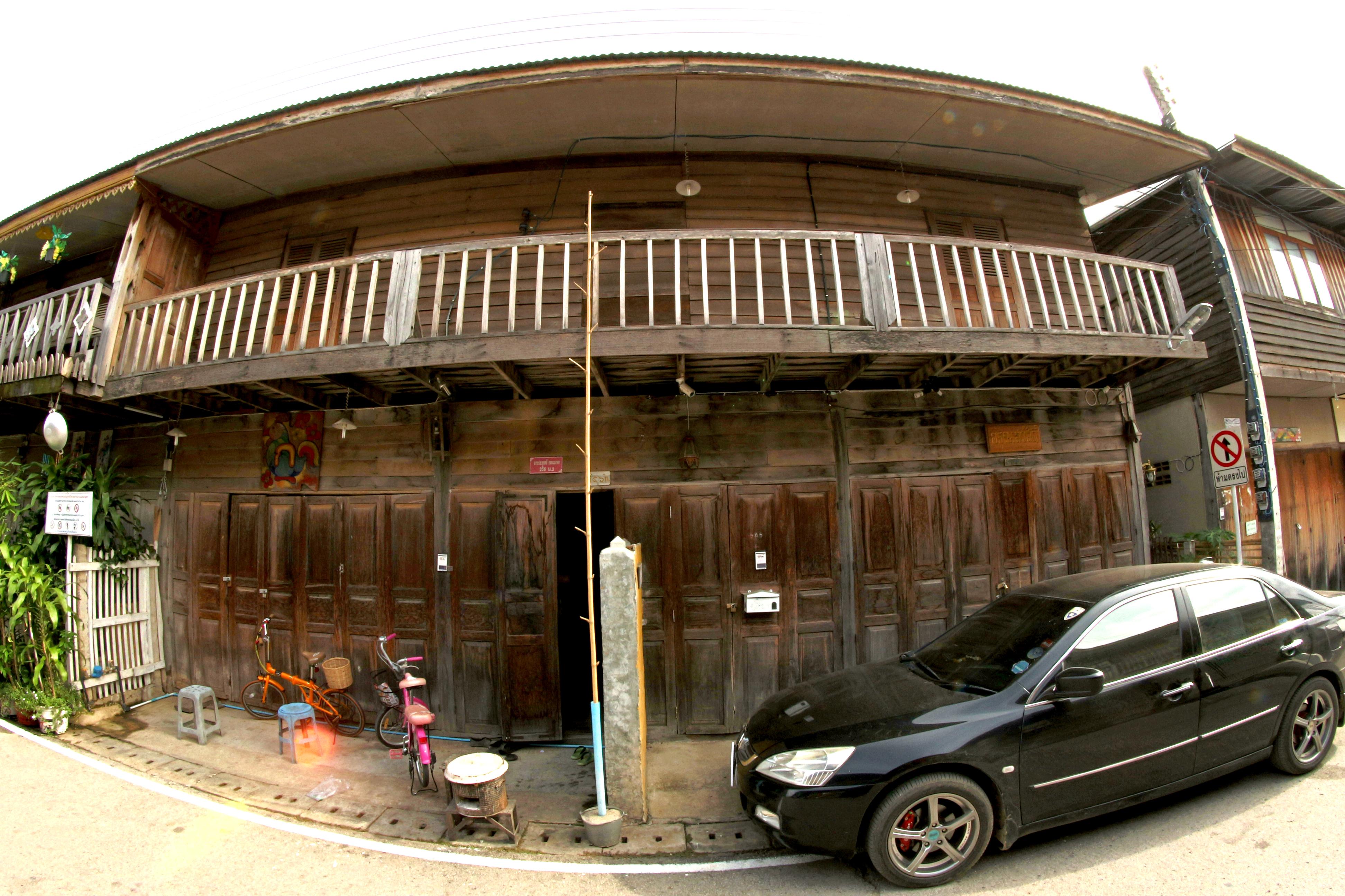 Free stock photo of house, car, vehicle, balcony