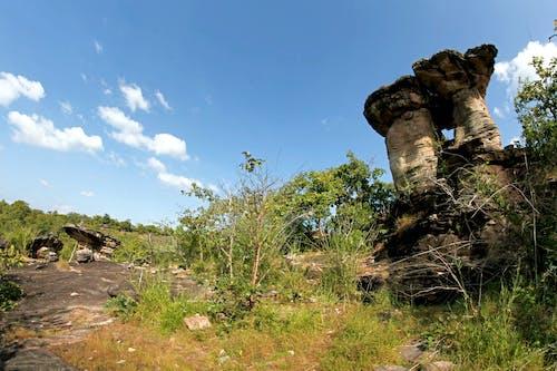天空, 岩石, 廢墟, 日光 的 免費圖庫相片