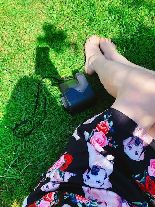 공원, 드레스, 모델, 미소의 무료 스톡 사진