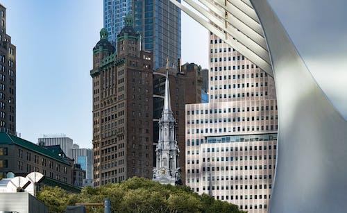 Gratis stockfoto met architectuur, bedrijf, binnenstad, buiten