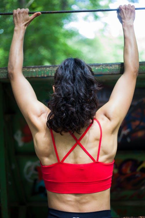 Foto profissional grátis de atividade física, barra de pull-up, bem-estar