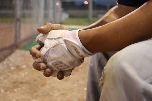 Kostnadsfri bild av baseboll, fält, händer, handskar