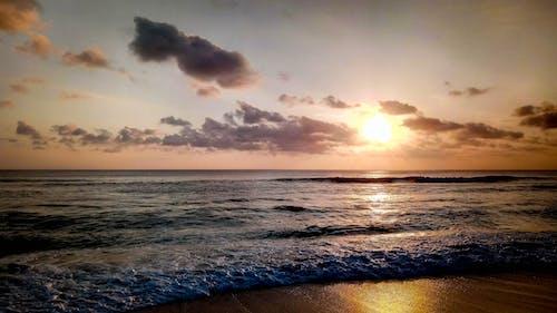 Бесплатное стоковое фото с пляжный закат