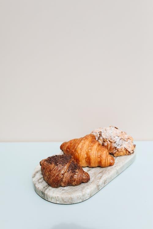 Gratis arkivbilde med bakeri, bakervarer, bakverk, croissant