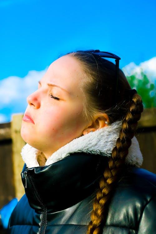 Foto profissional grátis de bonitinho, brilho do sol, fofo