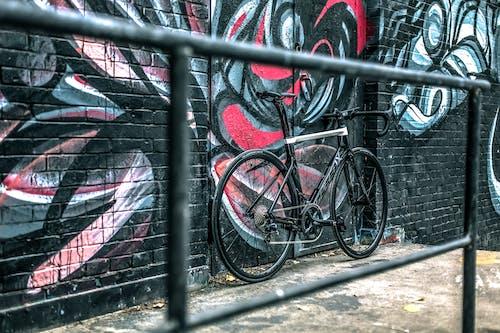 Kostnadsfri bild av cykel, cykling, graffiti, industriell vind