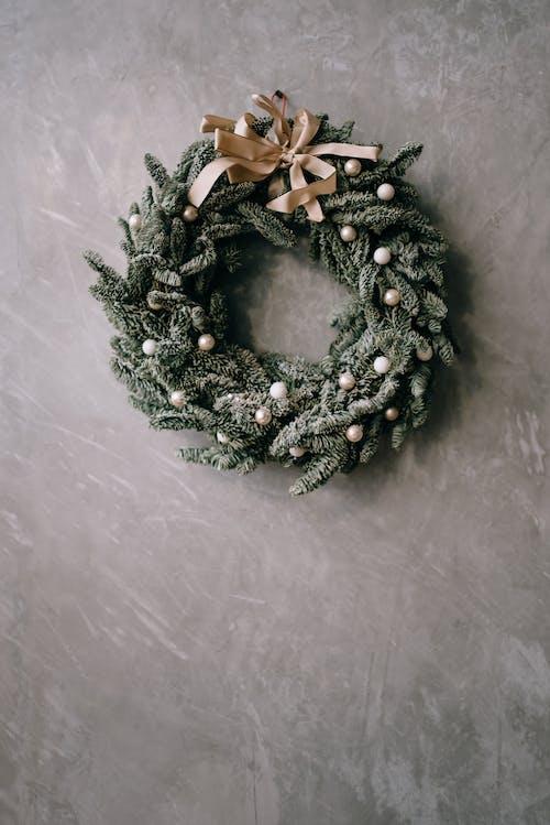 Aralık, asmak, atmosfer, basit içeren Ücretsiz stok fotoğraf