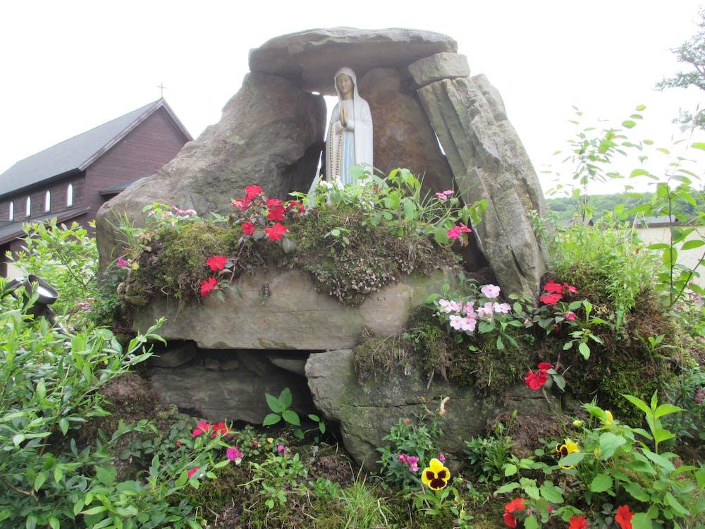 Free stock photo of Catskill Virgin Mother