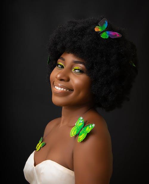 Foto d'estoc gratuïta de afro, alegre, amable, animat