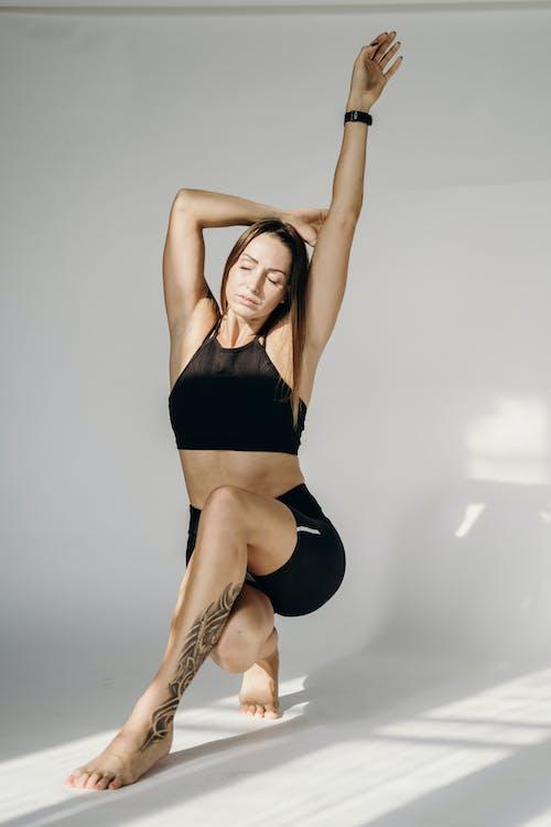 Безкоштовне стокове фото на тему «баланс, вродлива дівчина, Гарний, гімнастика»