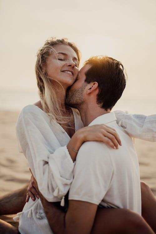 Безкоштовне стокове фото на тему «близькість, веселий, взаємодія, дозвілля»