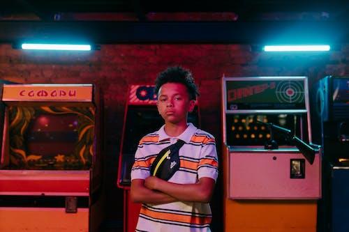 Foto profissional grátis de adolescência, adolescente, afro-americano
