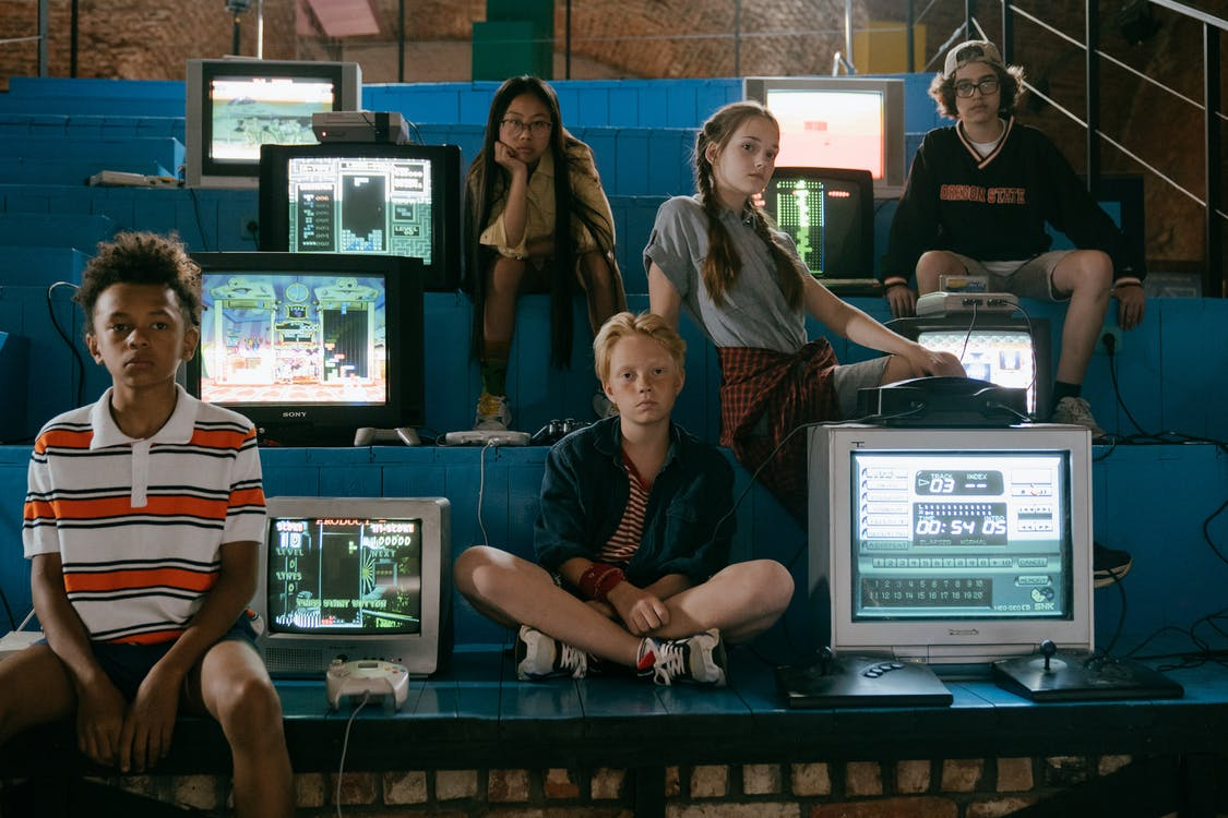Foto profissional grátis de adolescência, adolescentes, amigos