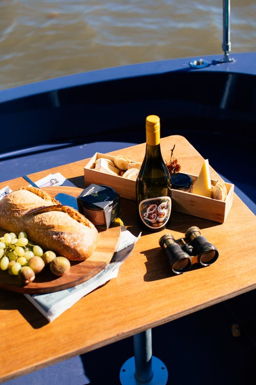 Table served with food and wine
