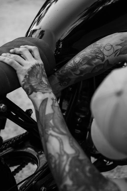 bw, エレメント, オートバイ, おとこの無料の写真素材