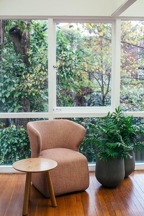 Gratis stockfoto met appartement, armstoel, binnen