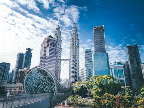 Darmowe zdjęcie z galerii z architektura, biznes, błękitne niebo