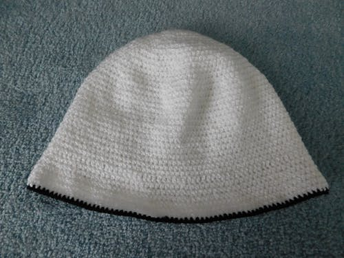 女性のための非常に居心地の良い帽子の無料の写真素材